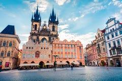 PRAGA, republika czech - MAJ 14, 2016: Stary rynek z Tyn obrazy royalty free