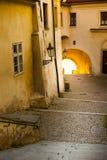 Praga, romantyczni starzy grodowi schodki Zdjęcia Royalty Free