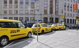 Praga, Sierpień 29: Taksówki stacja Praga w republika czech Zdjęcia Royalty Free