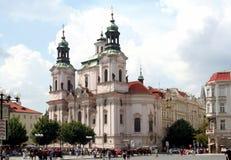 Praga - st Nicholas Church, quadrato di Città Vecchia Fotografia Stock Libera da Diritti