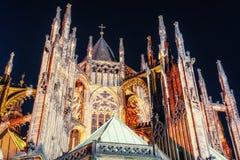 Praga St Vitus katedra Francisco bay bridge ca nocy razem San Zdjęcia Stock