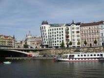 Praga - tanczyć budynek Fotografia Royalty Free