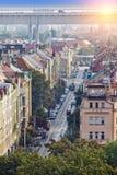Praga, widok z lotu ptaka na wąskiej ulicie z antycznymi domami Zdjęcie Stock