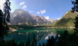 Pragser Wildsee - Lago di Braies стоковая фотография