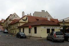 Prague är en stad, och huvudstaden av Tjeckien är en traditionell europeisk kulturell mitt GataKampa för Na Kampe ö, Mal arkivbilder