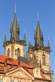 Prague - église de notre Madame avant Tyn image stock