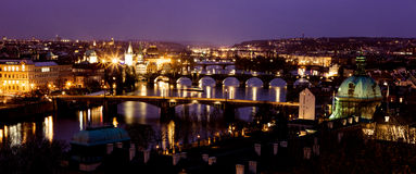 Prague överbryggar julafton Royaltyfri Foto