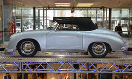 PRAGUE - APRIL 14: Porsche 356 (1949) Royaltyfria Foton