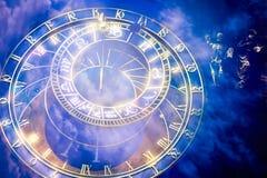Prague astronomisk klocka på det gamla stadshuset Fotografering för Bildbyråer