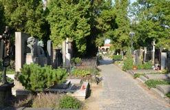 PRAGUE - AUGUSTI 18: Vysehrad kyrkogård Arkivbilder