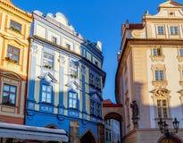 Prague: byggnader och arkitekturdetaljer Arkivbild