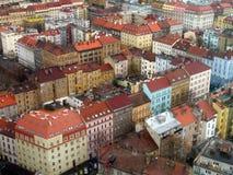 Prague byggnader och tak Royaltyfri Bild