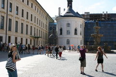 Prague Castle_tourists Royalty Free Stock Photography