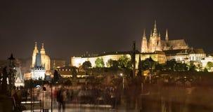 Prague - cathédrale de rue Vitus - nuit Photos libres de droits