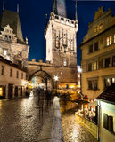 Prague Charles Bridge Tower under regn Arkivbilder