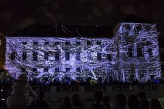 PRAGUE, CZ - 12 OCTOBRE 2017 : un 3D videomapping Multiverse par Filip Roca, festival 2017, Prague de signal photographie stock