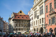 PRAGUE, CZECH REPUBLIC/EUROPE - SEPTEMBER 24 : People waiting fo. R the Astronomical Clock in Prague on September 24, 2014. Unidentified people Stock Image