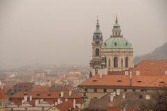 PRAGUE, CZECHIA - 18 OCTOBRE 2017 : St Nicholas Church ou Mal Strana L'église de Saint-Nicolas une église baroque en Lesser Tow Photo stock