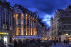 Prague dans le coucher du soleil Photo stock