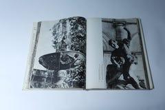 Prague dans le livre d'images par Karel Plicka La fontaine de chant dans la résidence de belvédère image stock