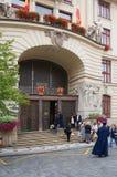 Prague den nya stadshusbyggnaden Royaltyfri Fotografi
