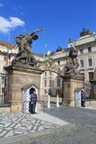 Prague - entrée principale au château de Prague Photo stock