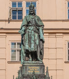 prague för charles iv-konung staty Arkivfoto