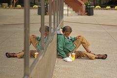 prague för hemlös manbild SAD gator Royaltyfri Fotografi