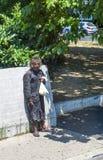 prague för hemlös manbild SAD gator Royaltyfria Bilder
