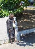 prague för hemlös manbild SAD gator Royaltyfri Bild