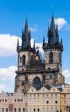 Prague gammal stad, kyrkliga torn Fotografering för Bildbyråer