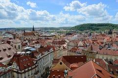 Prague gammal stad: sikt från över Arkivfoto
