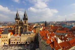 Prague Kyrka av modern av guden framme av Týn Arkivfoton