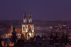 Prague la nuit, vue du clou Image libre de droits