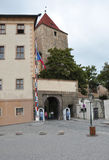 Prague, le 29 août : Garde de porte de château de Hradcany de Prague dans la République Tchèque Images stock