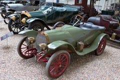 PRAGUE - MAJ 12: Tappningbilen Bugatti på skärm i Natioen Arkivbild