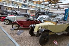 PRAGUE - MAJ 12: Tappningbilen Tatra på skärm i Nationaen Fotografering för Bildbyråer