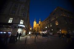PRAGUE mars 18: Gammalt stadsöppet utrymme av Praque på natten på marsch 18, 2016 i Prague - Tjeckien Arkivfoton