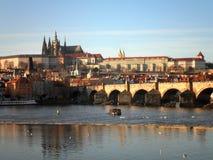Prague medeltida bro Royaltyfri Fotografi
