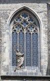 Prague - nedfläckadt fönster för gotiskt exponeringsglas Arkivbild