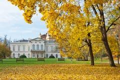 PRAGUE - NOVEMBER 8, 2014 - Kinsky slott Musaion, Prague, tjeck Royaltyfria Foton