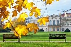 PRAGUE - NOVEMBER 8, 2014 - Kinsky slott Musaion, Prague, tjeck Arkivfoto