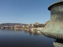 Prague, panorama de République Tchèque Fleuve de Vltava Images stock