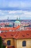 Prague panorama från den Hradcanske namestien Fotografering för Bildbyråer