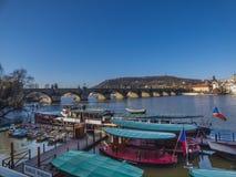 Prague panorama med den Vltava floden Royaltyfri Fotografi