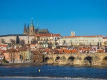 Prague panorama med den Vltava floden, Tjeckien Royaltyfri Bild
