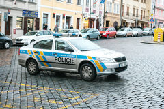 Prague, République Tchèque - 25 décembre 2016 - la police sur les rues Voiture de patrouille le jour de Noël à Prague Photos stock