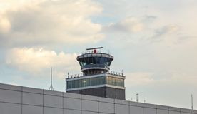 Prague, République Tchèque - 28 juillet 2018 : Contrôle du trafic aérien à photo libre de droits