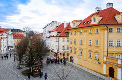 PRAGUE, RÉPUBLIQUE TCHÈQUE - 23 DÉCEMBRE : Belle vue de rue de Tradi Photographie stock libre de droits