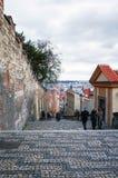 PRAGUE, RÉPUBLIQUE TCHÈQUE - 23 DÉCEMBRE : Belle vue de rue de Tradi Photo stock